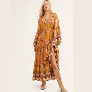 SOLD OUT📌Spell & The Gypsy Buttercup Gown Dress